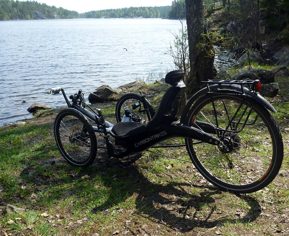 carbontrikes_lake_1